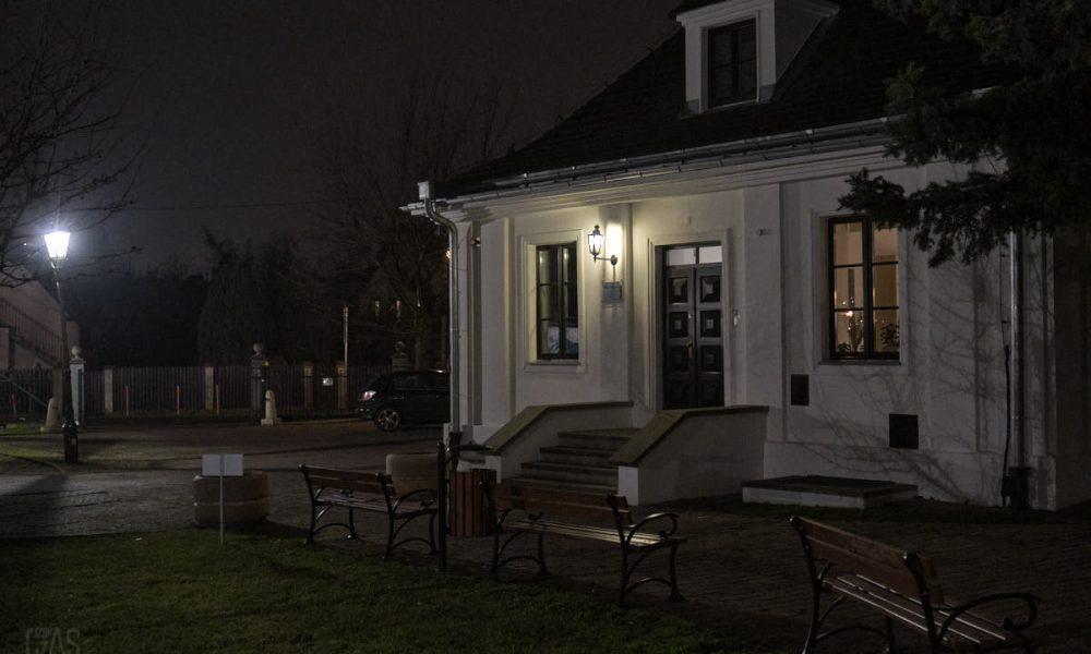 Dworek Białoprądnicki – nocna galeria zdjęć